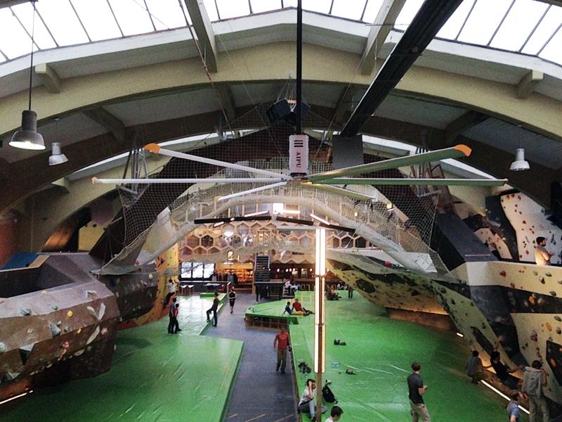 beeindruckende Boulderhalle
