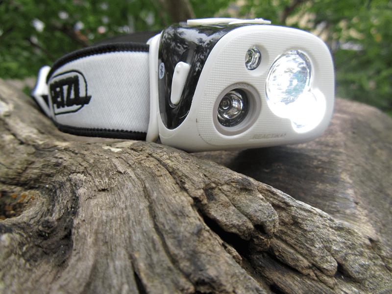 Leuchtkegel & Sensor der Stirnlampe