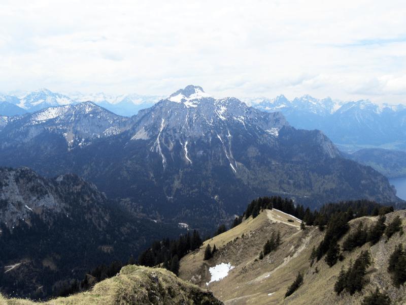 Blick zum Säuling ( 2047 m )