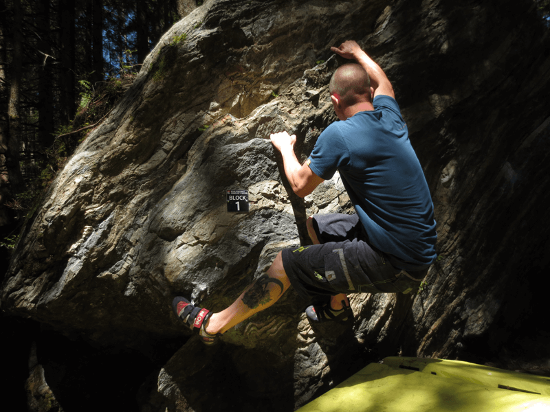 Am Felsen Bouldern
