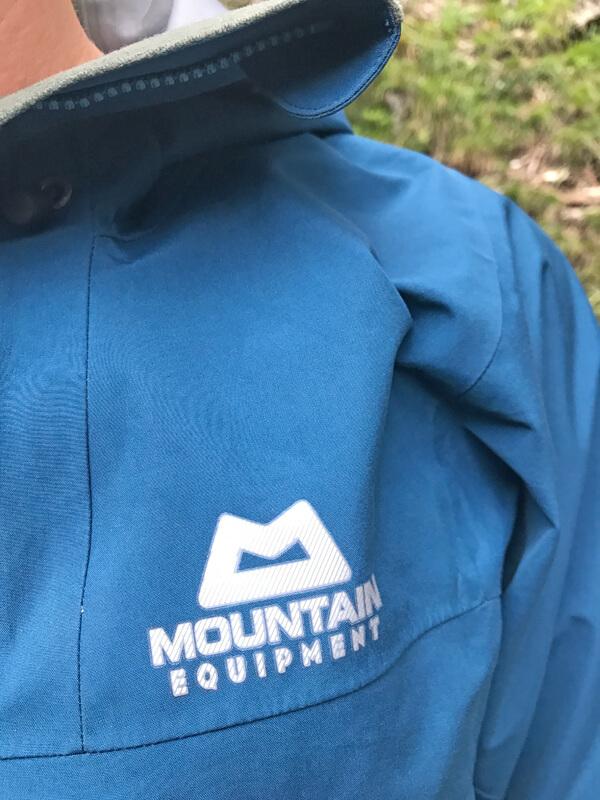 Mountain Equipment Logo auf der Brust