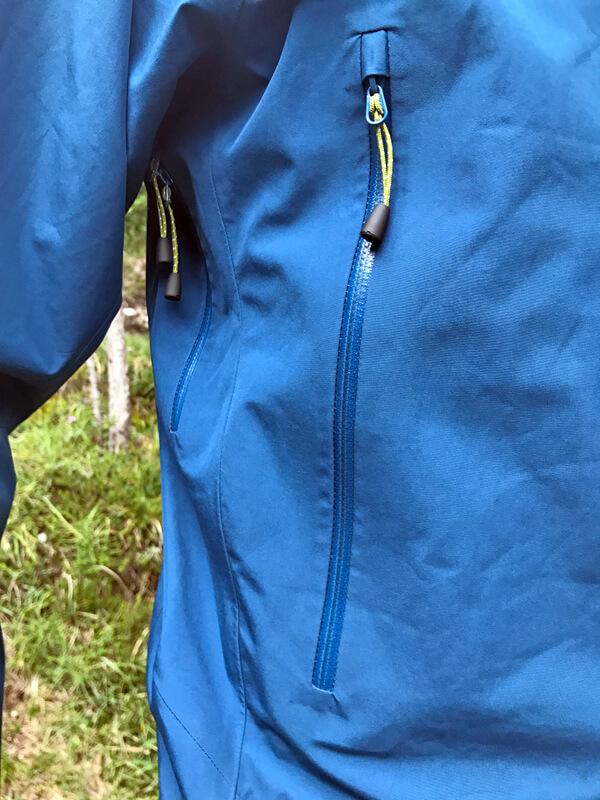 Reisverschluss der Seitentasche