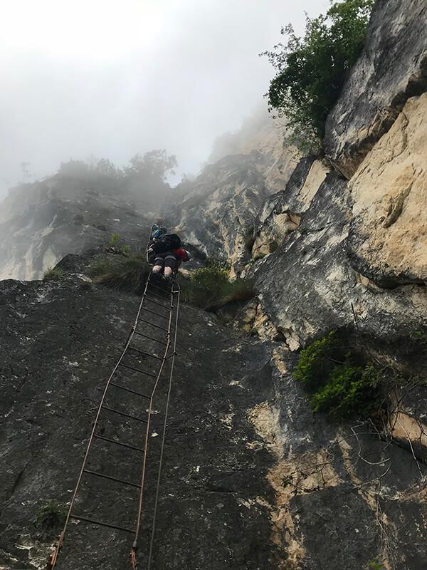 es folgen weitere lange Leiterpassagen
