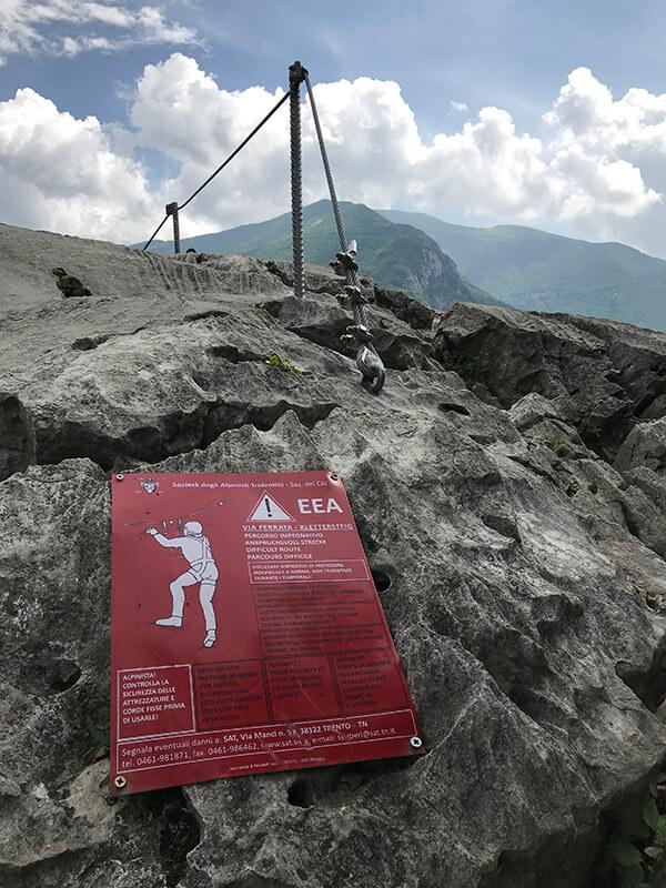 Hinweisschild zum Ende des Klettersteigs