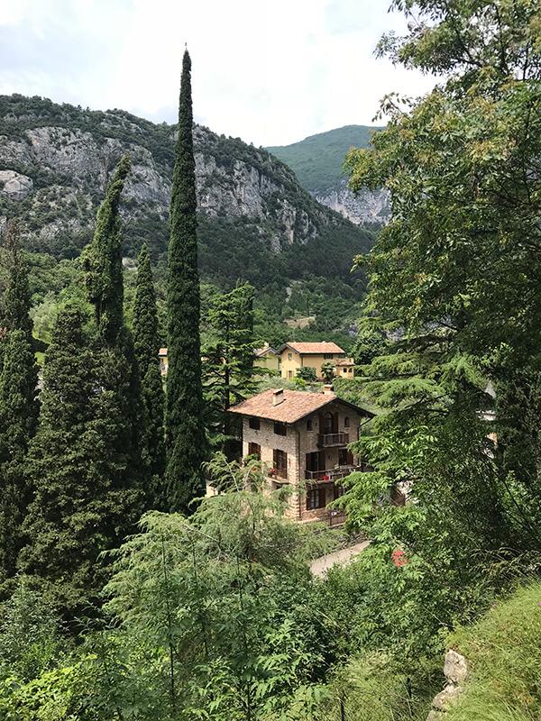 typisches Bild eines italienischen Bergdorfs
