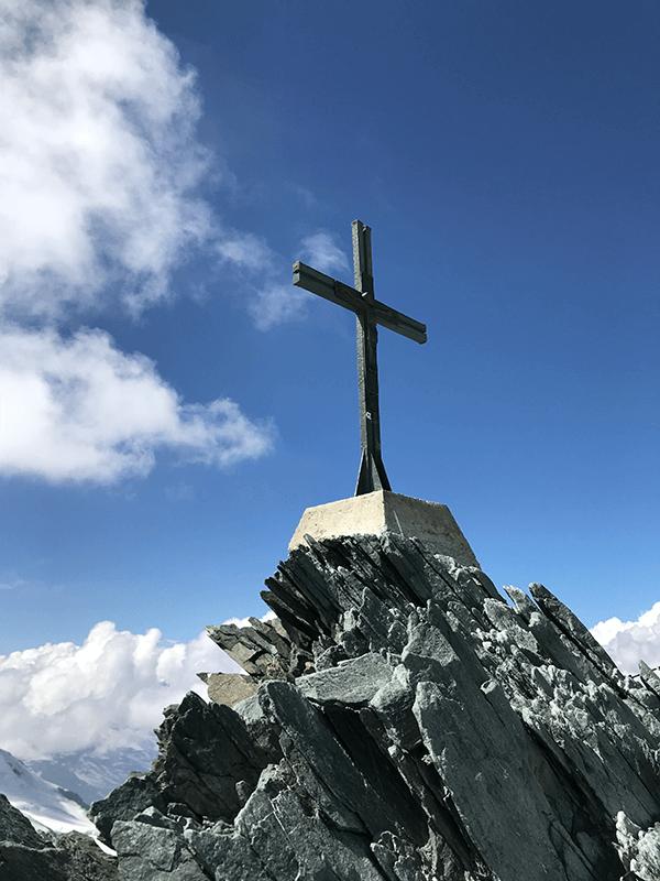 Das Gipfelkreuz auf dem Allalinhorn