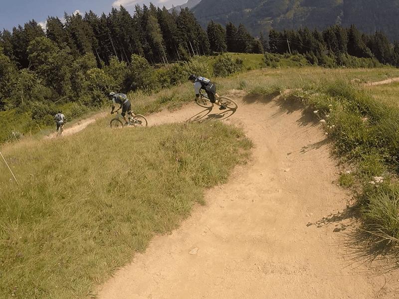 Mountainbiker auf der Milkaline