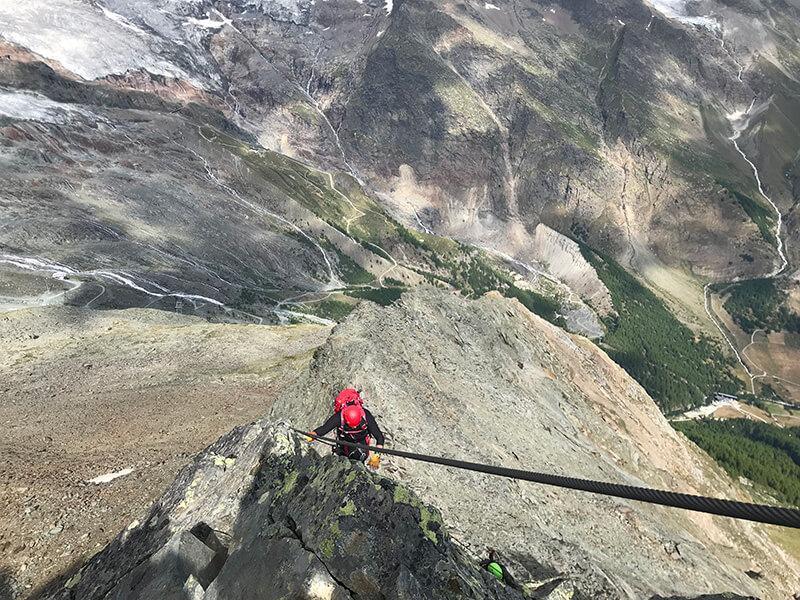 Tiefblicke garantiert im Klettersteig