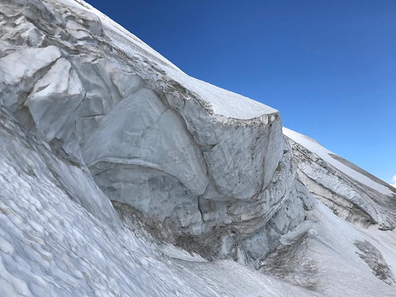 Abbruchzone am Gletscher