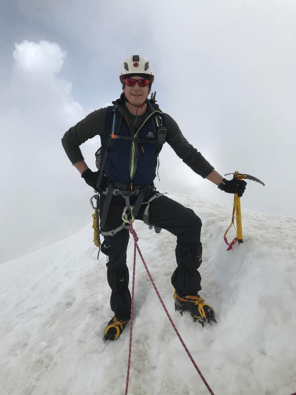 Glücklich in voller Montur am Weissmies-Gipfel