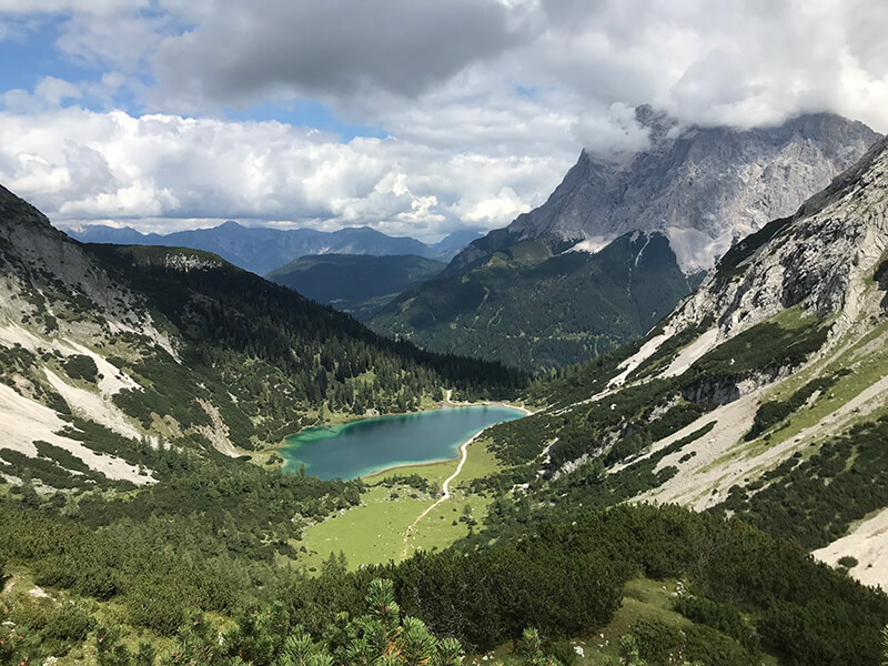 fantastische Bergkulisse mit Seebensee und Zugspitze