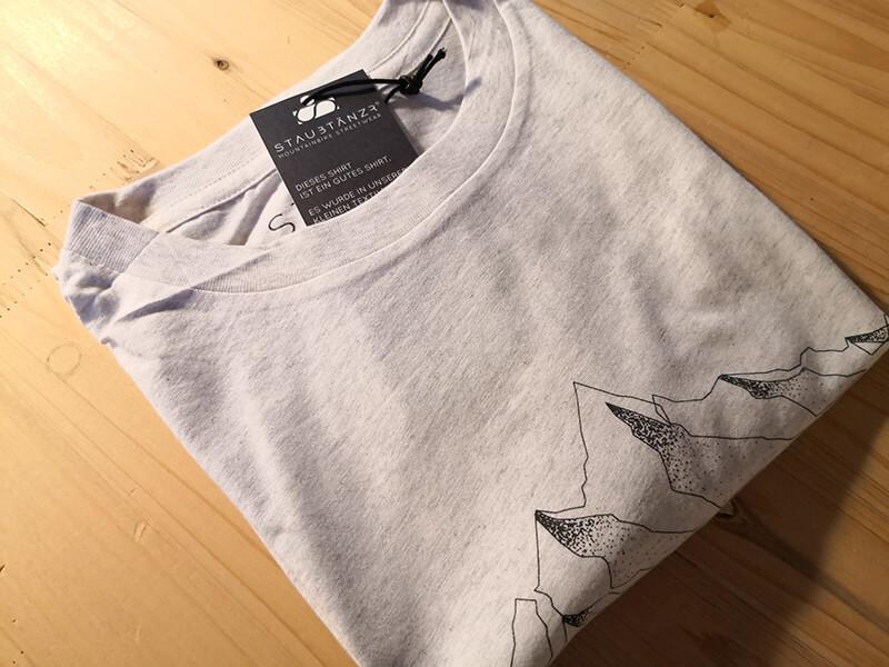 Das Shirt aus Biobaumwolle ( mit freundlicher Genehmigung von Staubtänzer )