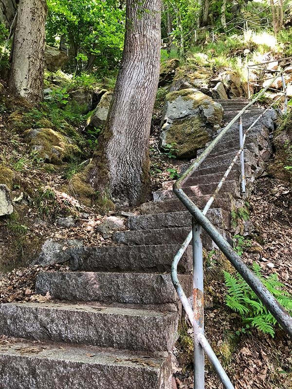 befestige Stufen hinauf zur Teufelskanzel