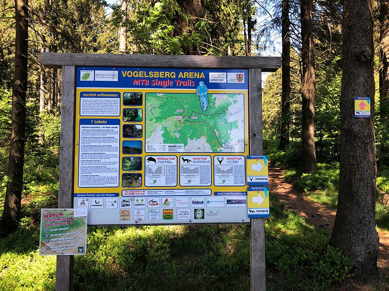 Hinweisschild Wildsau Trail