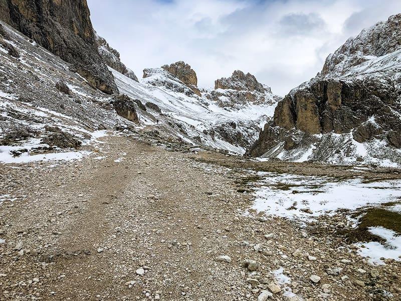 Der Weg zurück hinauf zum Grasleitenpass
