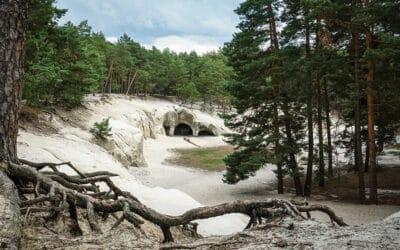 Zu den Sandsteinhöhlen im Heers