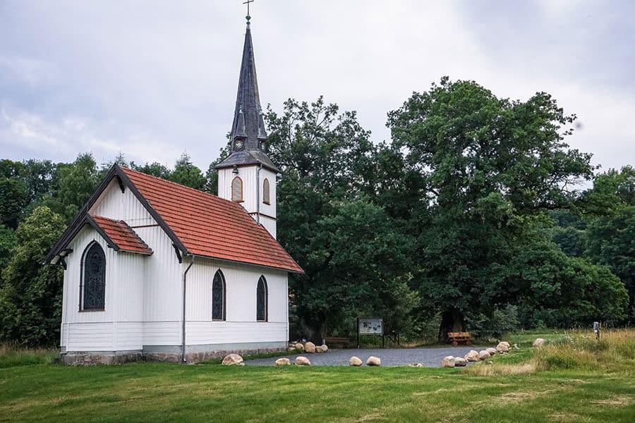 Die kleinste Holzkirche Deutschlands in Elend